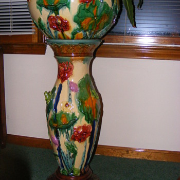 Is This a Majolica Piece? - Art Pottery