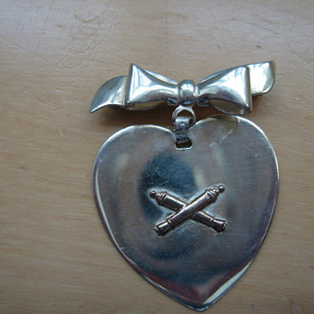 Sweetheart Pin - Military and Wartime