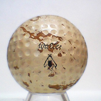 The Very Rare Walter Hagen Honey Centered Golf Balls - Outdoor Sports