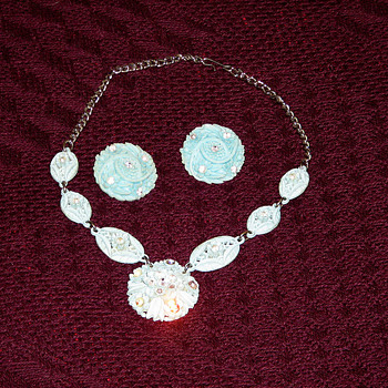 Aqua Blue Necklace/Earrings set.... - Costume Jewelry