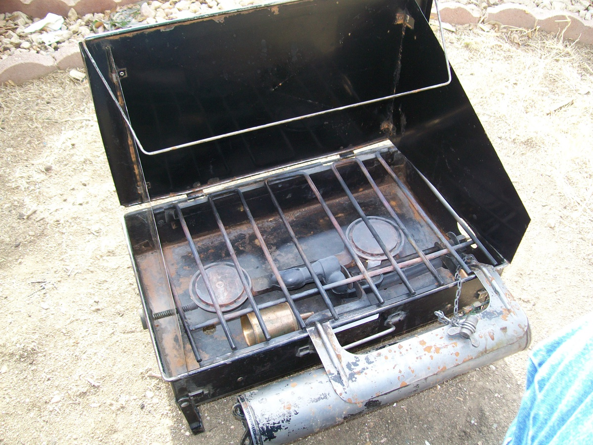 Vintage Coleman camp stove : Collectors Weekly