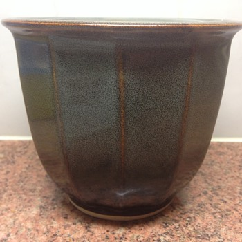 Chinese flowerpot - Art Pottery