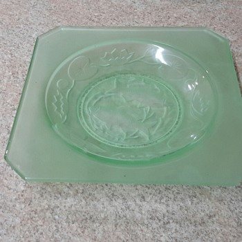 Uranium glass plate and bowl - Glassware