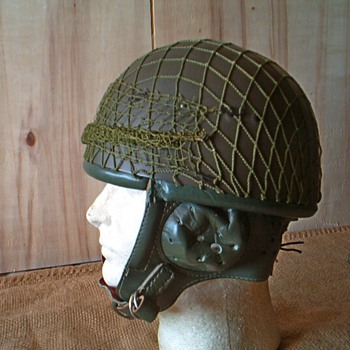 Polish WZ63 / East Germany Paratrooper steel helmet