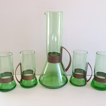 ?PLEASE HELP ME I.D THIS SET? - Glassware