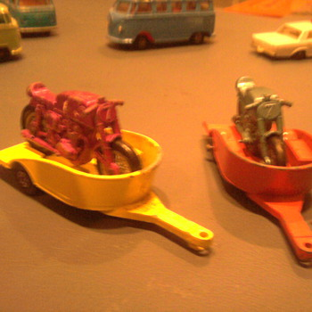 First and second versions of the Matchbox motorcycle and trailer - Model Cars