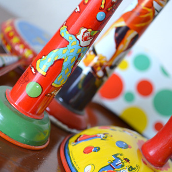 My collection of vintage noisemakers! - Games