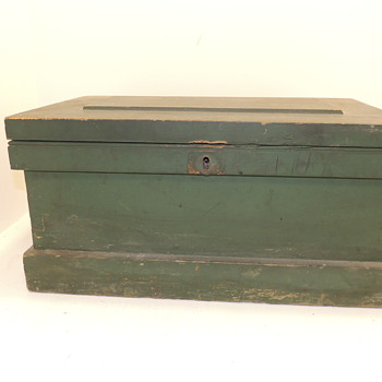 American Tool Box in Green Paint - Mid-Late 19th century - Tools and Hardware