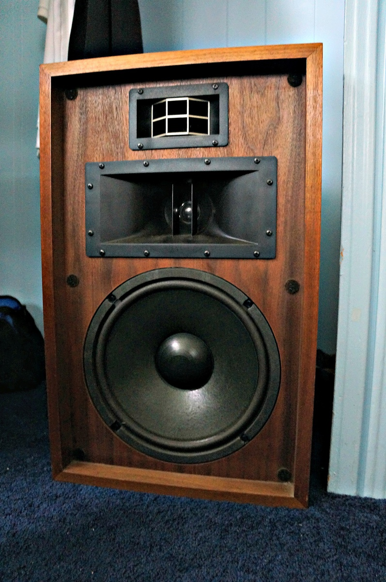 vintage 1970s 12 pioneer cs 701 speakers 70w collectors. Black Bedroom Furniture Sets. Home Design Ideas