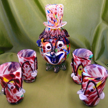 Clown decanter with 4 cups - Art Glass