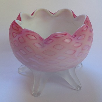 Victorian diamond quilted satin glass rose bowl with footed base