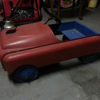 Need help Identifying this Pedal Car