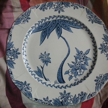 ALFRED MEAKIN DECO PLATE