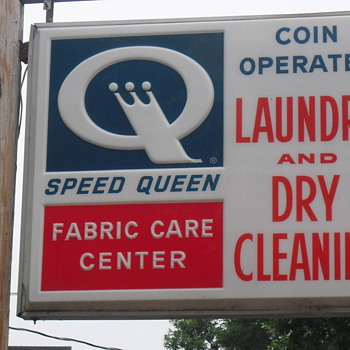 Light up laundromat sign - Signs