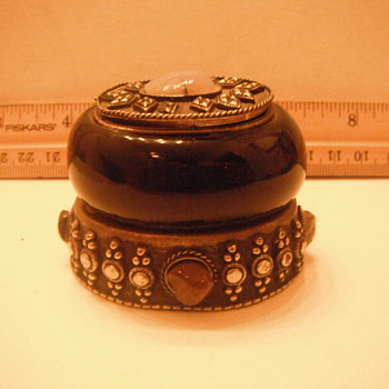trinket box/ pill box  - Fine Jewelry