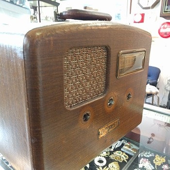 1940's De forest potable radio (project)