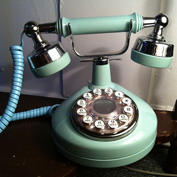 Need Help Identifing Please! - Telephones