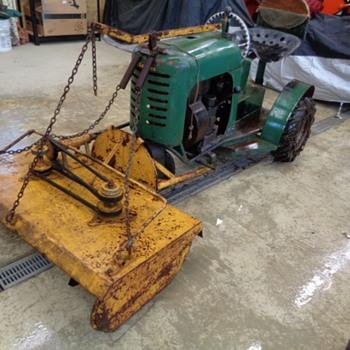 Bantam Lawn & Garden Tractor - Tractors