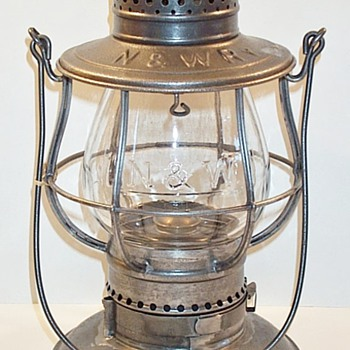 Norfolk & Western RY Railroad Lantern - Railroadiana