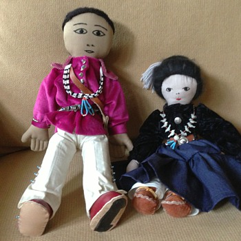 Native American dolls with jewelry