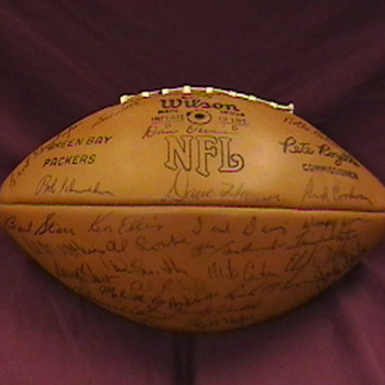 1971 Green Bay Packers Team Autographed Football - Football