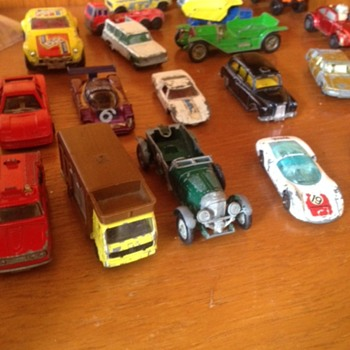 matchbox toy cars - old - Model Cars