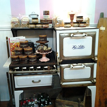 Vintage Stove - Kitchen
