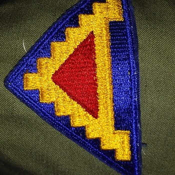 unknow military patch can anyone help with this problem - Military and Wartime