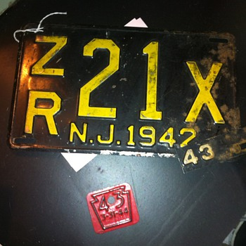 1942-43 New Jersey Licence plate and a PA Tag - Signs