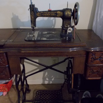 1907 Golden Star - Sewing