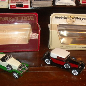 Matchbox Yesteryears 1930 Packard and 1931 Stutz Bearcat - Model Cars