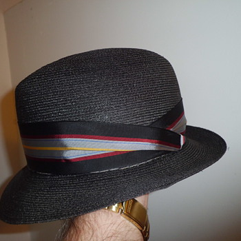 Dobbs vintage fedora with small brim,..some nice snap in it  - Hats