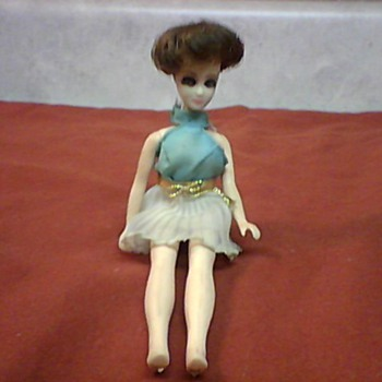 1970  H-17 DAWN DOLL - Dolls