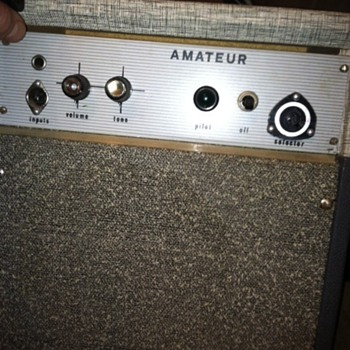 "Trying to ID this vintage guitar amp name brand ""Amateur""?"
