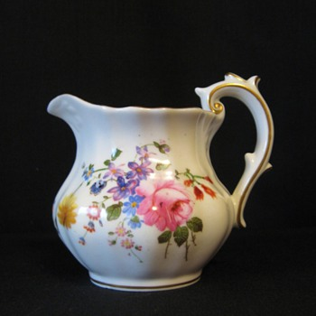 ROYAL CROWN DERBY -ENGLAND - CREAMER - China and Dinnerware