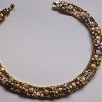 Necklace marked IVY - Costume Jewelry