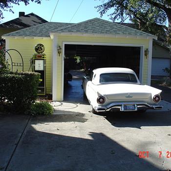 1957 Ford Thunderbird - Classic Cars