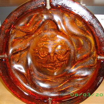 ANTIQUE GLASS ASHTRAY - Tobacciana