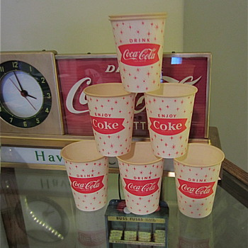 "Early 1960s Coke paper ""Sparkle"" cups"