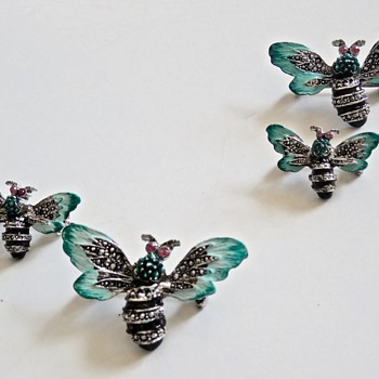 Enamel and rhinestone bee brooches - Costume Jewelry