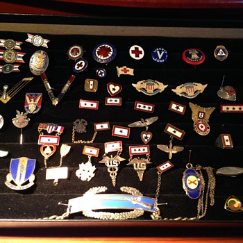 Sweetheart and military pin collection - Military and Wartime
