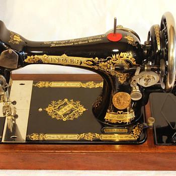 Singer 1932 28K Handcrank - Sewing