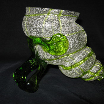 Kralik circa 1900 Shell /Cornucopia Vase Meteor Decor with White Frit and Radiant Green Threading  - Art Glass