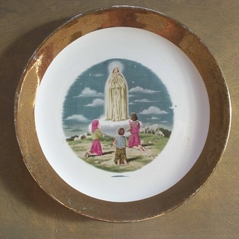 "Unique  ""Miracle of Fatima""  Sabin Crest-O-Gold Plate  - China and Dinnerware"