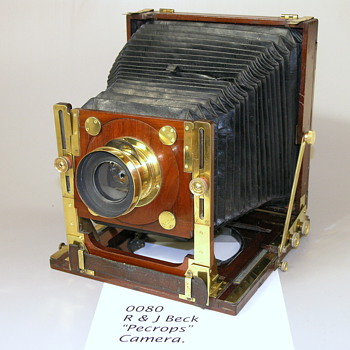 ENGLISH HYBRID STYLE FIELD CAMERA. 1875. R & J Beck  - Cameras
