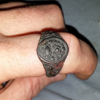 A ring i found in my Grand Pa's stuff from i believe WWII Do You Know what it is
