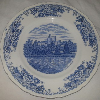 Royal Swan Windsor Castle Plate - China and Dinnerware