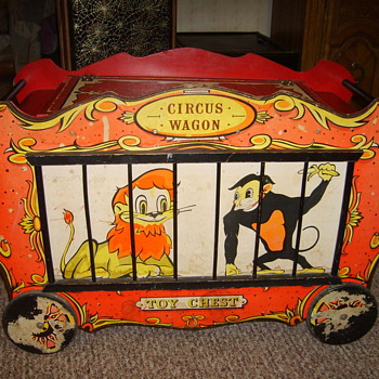 circus wagon toy chest - Furniture