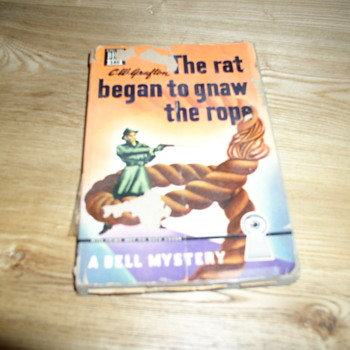 Grafton crime novel by her father  signed by author CW 1943 The rat began to gnaw the rope