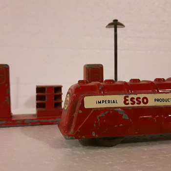 London Toy Canada. Cast Metal Vehicles. - Model Cars